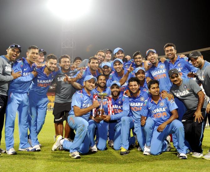 Mahendra Singh Dhoni celebrates victory