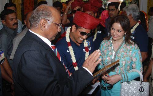 Sachin Tendulkar with wife Anjali and Sharad Pawar