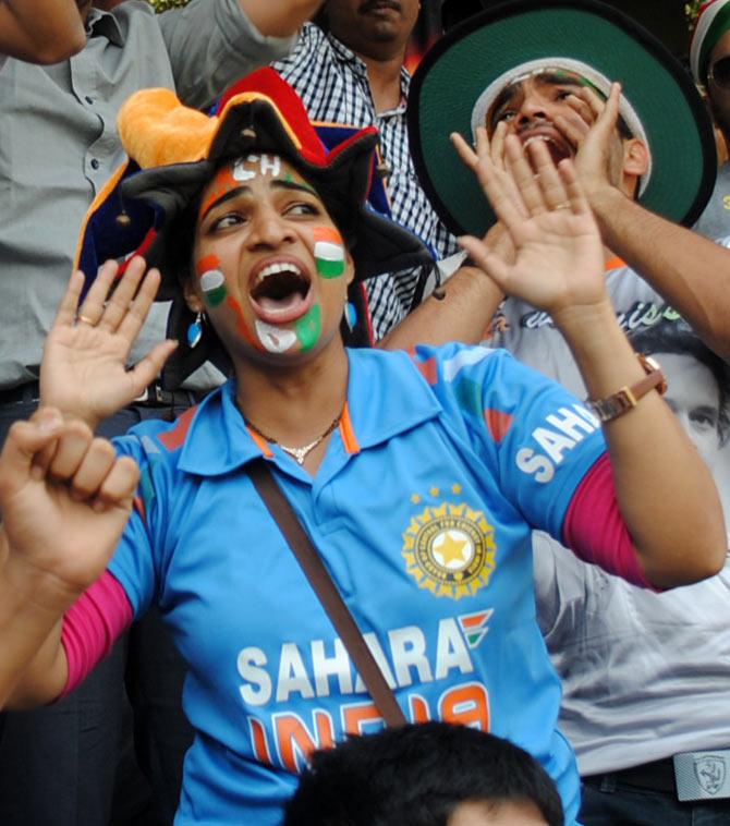 Dr Avanti Kadam shouts 'Sachin, Sachin' as Tendulkar walks out to bat