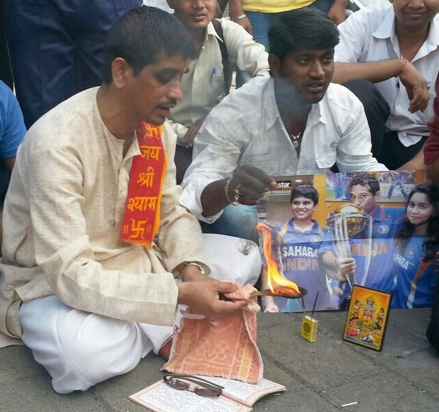 Pandit predicts Sachin Tendulkar will score a ton