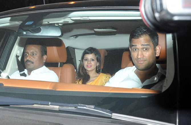 India captain Mahendra Singh Dhoni with wife Sakshi