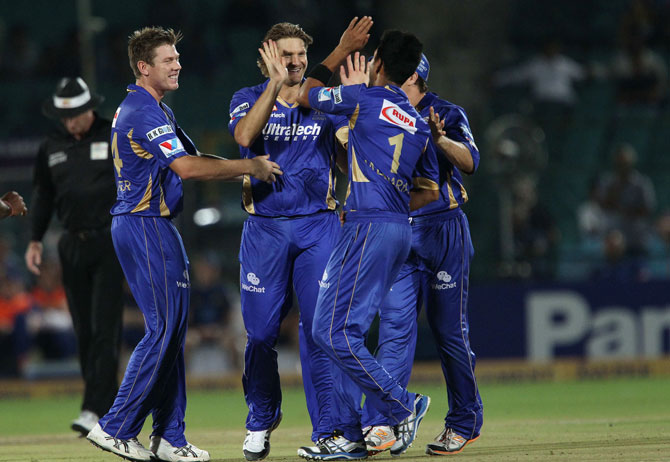 Shane Watson of Rajasthan Royals celebrates the wicket of Neil Broom of Otago Volts