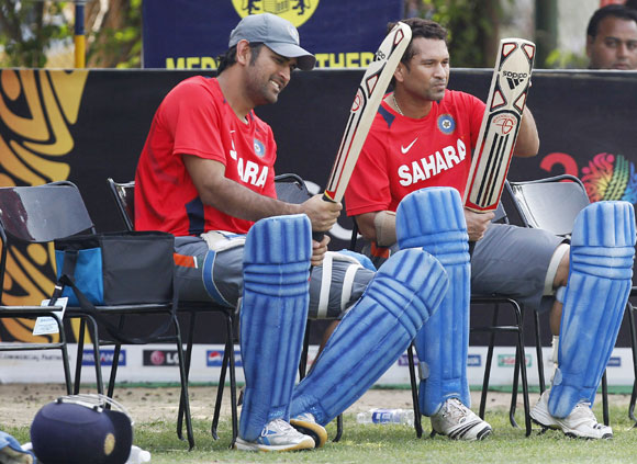 Dhoni happy that Sachin retired on his own terms