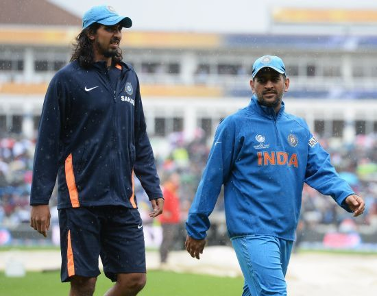 MS Dhoni and Ishant Sharma