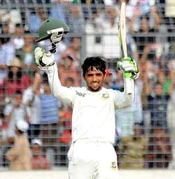 Mominul Haque celebrates after getting to hundred