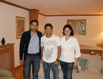 Sameer Nerurkar with Sachin tendulkar and wife Anjali