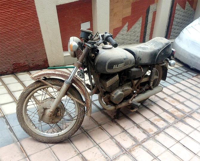 Mahendra Singh Dhoni's first bike