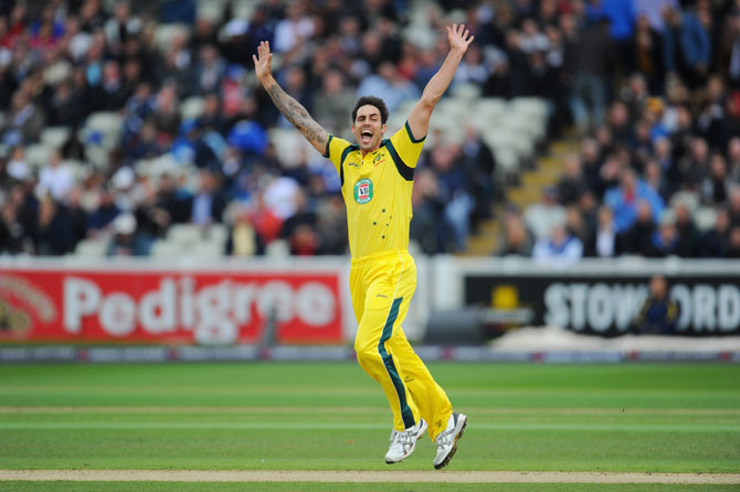 Mitchell Johnson rises to eighth in bowlers' rankings