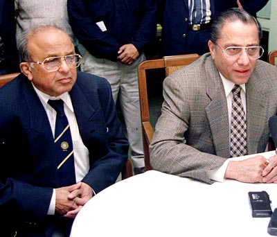 Jaywant Lele (left) with Jagmohan Dalmiya