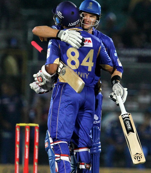 Shane Watson celebrates with Stuart Binney