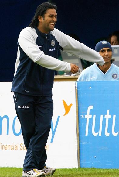 Mahendra Singh Dhoni raises a smile