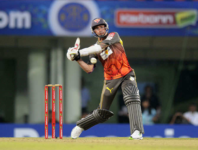 Dale Steyn of Sunrisers Hyderabad bats during his cameo