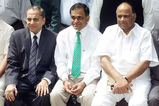 Niranjan Shah (centre) with former BCCI and ICC presidents Jagmohan Dalmiya (left) and Sharad Pawar