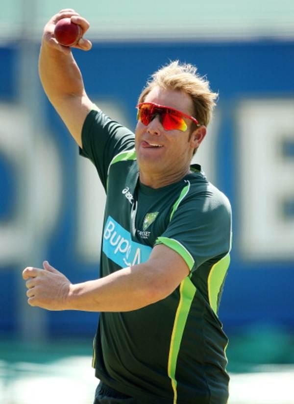 WT20 snapshots: Warne helps Tahir before India game; Yuvi injured