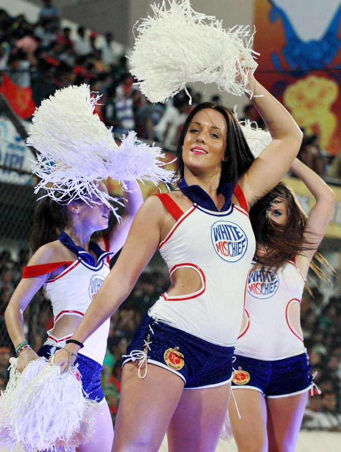 Cheerleaders in action during IPL 6
