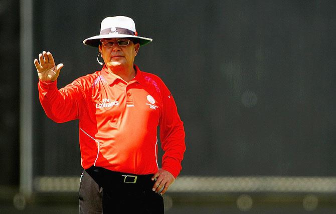 Umpire Ian Gould