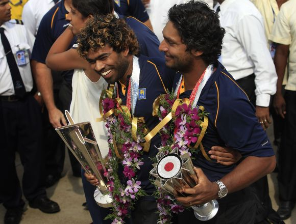 Lanka's street party marred by Mahela, Sanga T20 retirement controversy