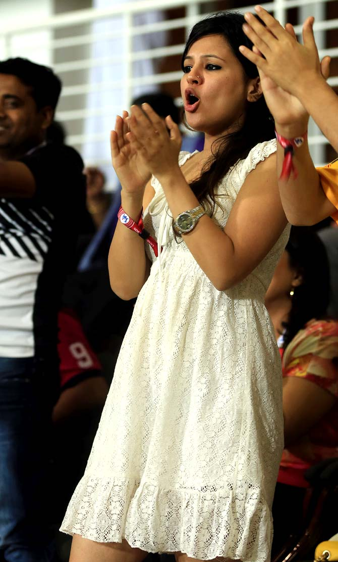 PHOTOS: Mrs Dhoni sizzles as hubby-led Chennai maul Delhi