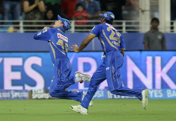 Rajasthan Royals' Steven Smith keeps his eyes on the ball to take a brilliant catch and dismiss Chennai Super Kings' Brendon McCullum in the IPM match in Dubai on Wednesday.