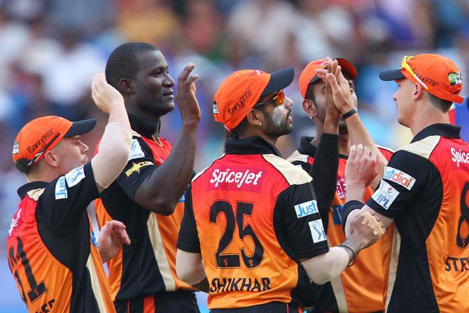 Sunrisers Hyderabad players celebrate Kevin Pietersen's dismissal