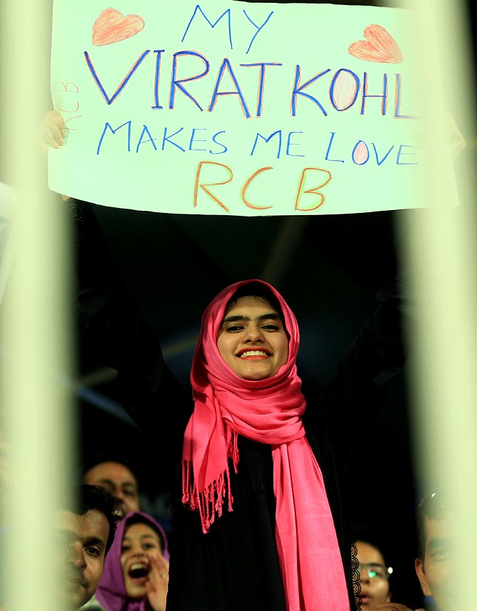 A young female fan with a message for Virat Kohli