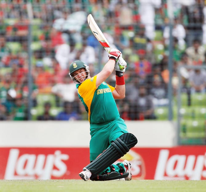 Jacques Kallis of South Africa hits a six