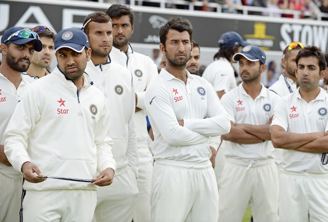 India's players during the presentation ceremony after losing the fifth Test and series to England at the Oval