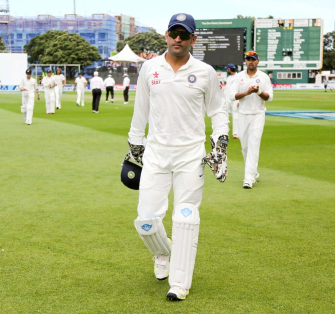 Dhoni's captaincy, wicketkeeping not up to Test standard: Brearley