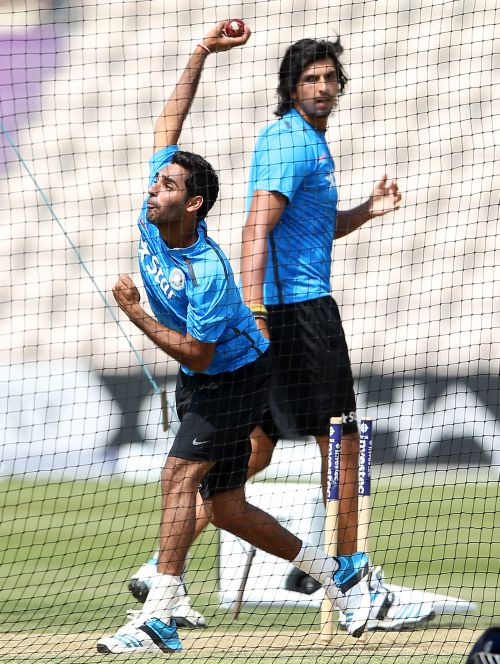 Bhuvneshwar Kumar and Ishant Sharma in the nets