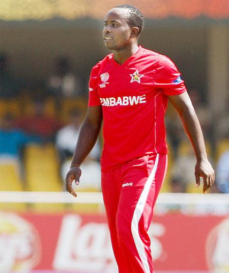 Rediff Sports - Cricket, Indian hockey, Tennis, Football, Chess, Golf - Utseya hat-trick in vain as South Africa beat Zimbabwe
