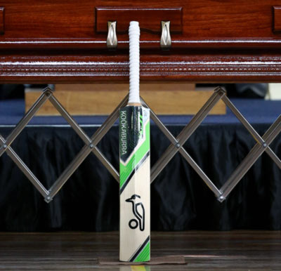 Rediff Sports - Cricket, Indian hockey, Tennis, Football, Chess, Golf - Hughes' bat to be taken to top of Mount Everest
