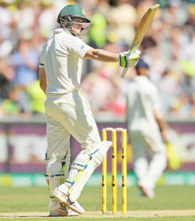 Rediff Sports - Cricket, Indian hockey, Tennis, Football, Chess, Golf - PHOTOS, Day 1, 3rd Test: Honours shared, but Smith shines again
