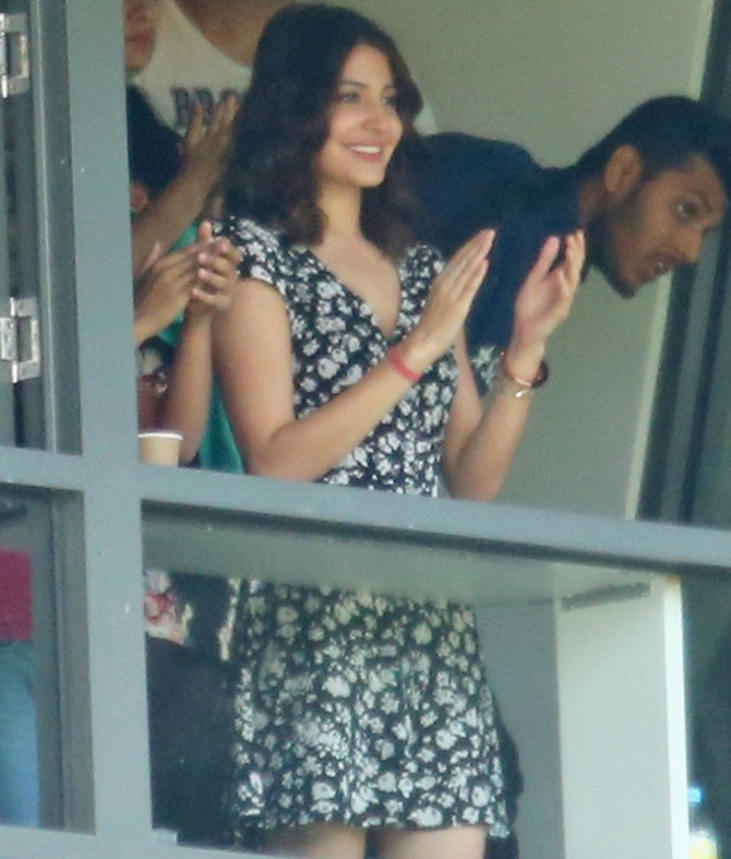 Admirable Spotted Virat Kohlis Wife Errr Fiancee Anushka Sharma Hairstyle Inspiration Daily Dogsangcom