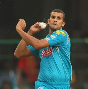 Lanky Ishwar Pandey learning about bowling in various conditions