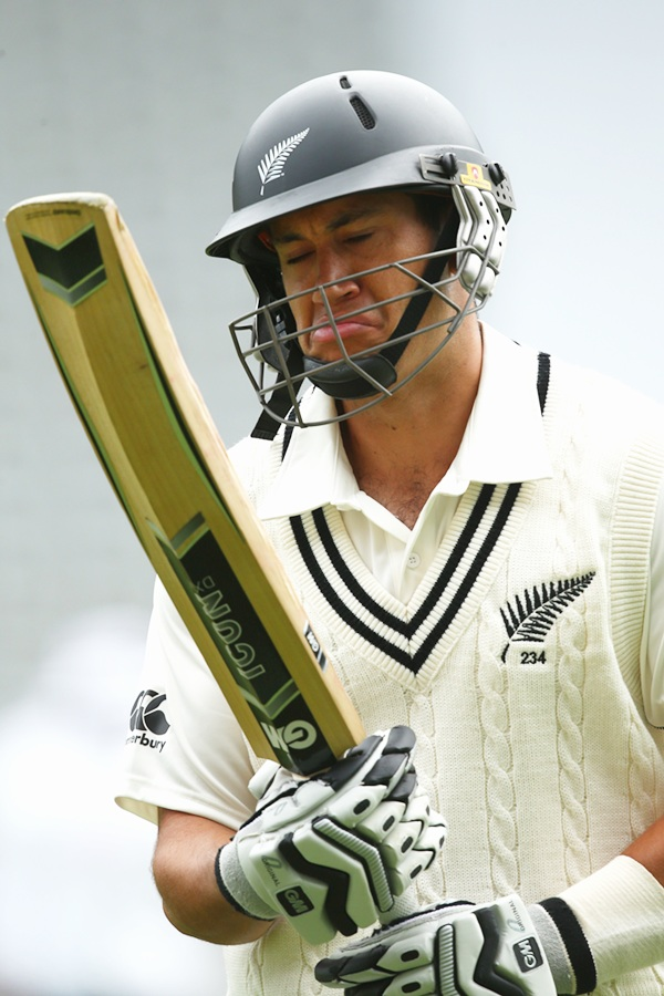 Ross Taylor leaves the field after being dismissed for 41.