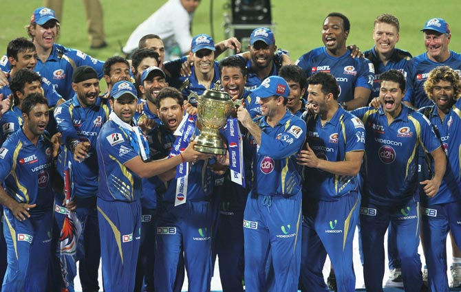 Mumbai Indians picked up 4 wicketkeepers at the auction!