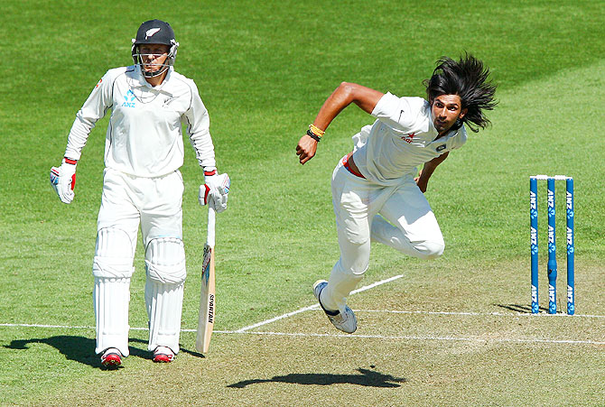 Ishant Sharma of India bowls on Day one of the 2nd Test match against New Zealand in Wellington on Friday