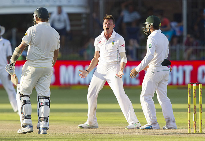 South Africa's Dale Steyn celebrates the wicket of Australia's Ryan Harris on Sunday