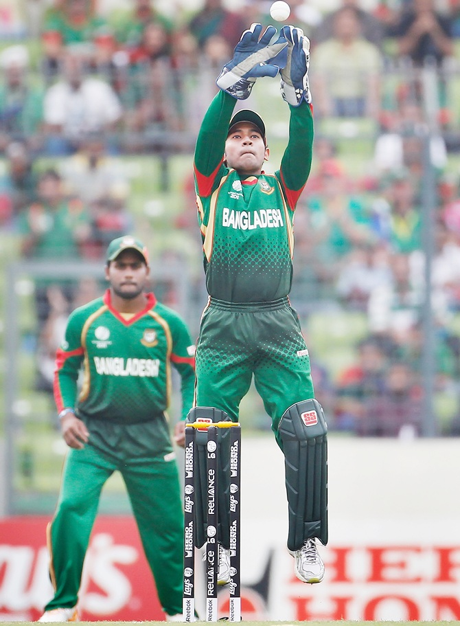 Mushfiqur Rahim of Bangladesh keeps wickets.