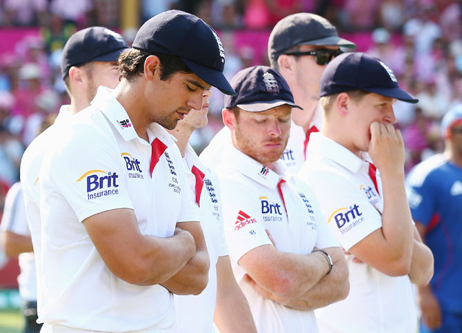 Alastair Cook of England looks dejected during day three of the Fifth Ashes Test at the Sydney Cricket Ground
