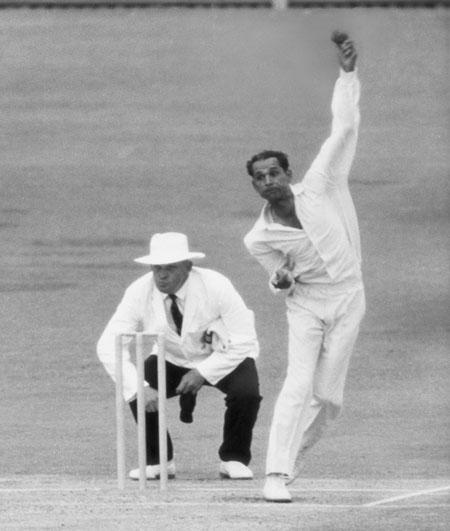 Bapu Nadkarni in action.
