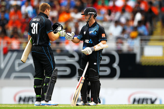 Kane Williamson and Martin Guptill of New Zealand