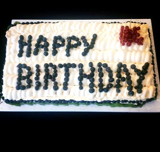 Mahendra Singh Dhoni's birthday cake