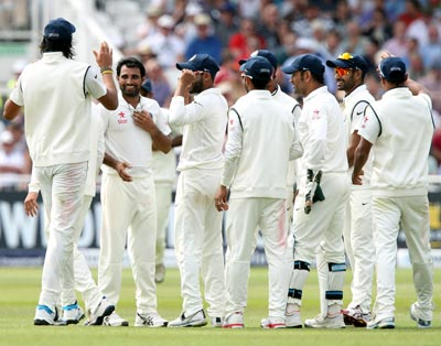 Rediff Cricket - Indian cricket - Ishant, Bhuvneshwar put India in control on Day 3