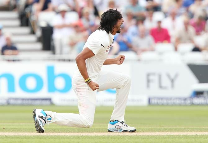 PHOTOS: India's pacers have England reeling on Day 3