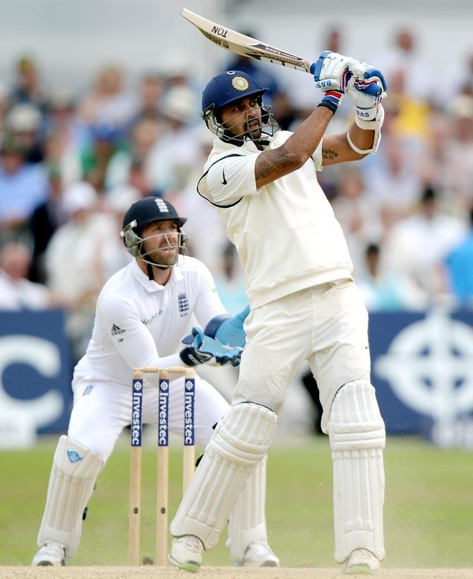 Murali Vijay hits a six off Moeen Ali