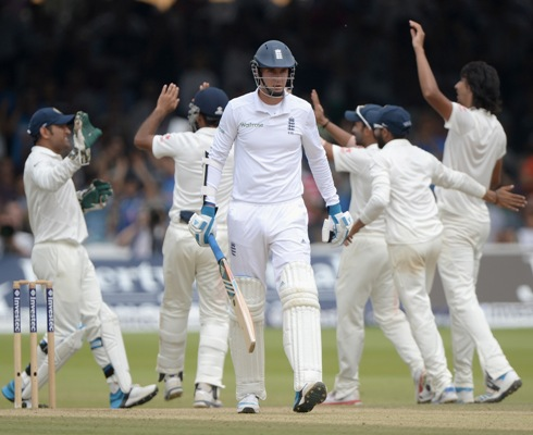 Stuart Broad leaves the field after being dismissed by Ishant Sharma
