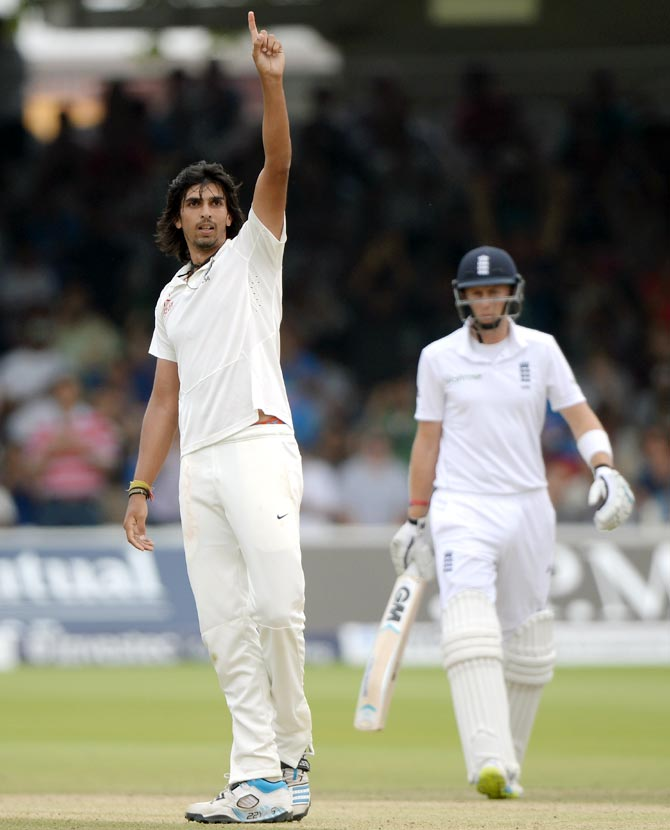 Ishant Sharma (left) celebrates
