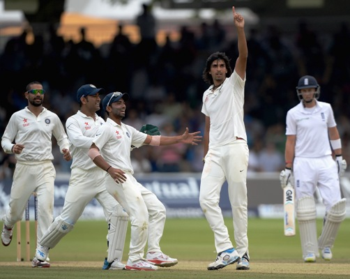 Ishant Sharma celebrates dismissing Ben Stokes
