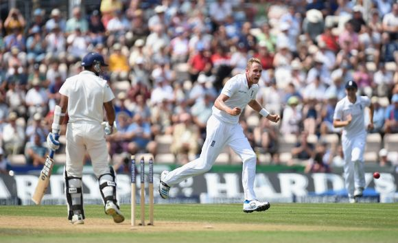 Murali Vijay is bowled by England's Stuart Broad during Day 3 of the third Test